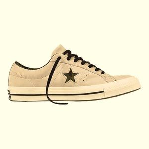 Converse Chuck Taylor Low Premium One-Star…